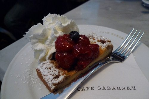 20110226+-+139756+-+Cafe+Sabarsky+-+Fruit+Crumble+Tarte